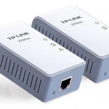 Как Провести Интернет Через Розетку 220 V с Помощью Powerline Адаптера?
