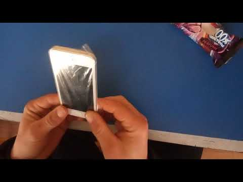 Как правильно наклеить защитную пленку на телефон + видео