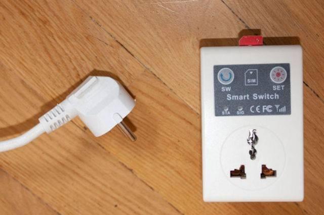 Почему роутер сам сбрасывает настройки пароля, wifi и интернета при отключении питания или перезагрузке?