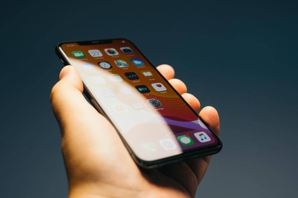 Сравнение apple iphone se (2020) vs iphone xs - phonesdata