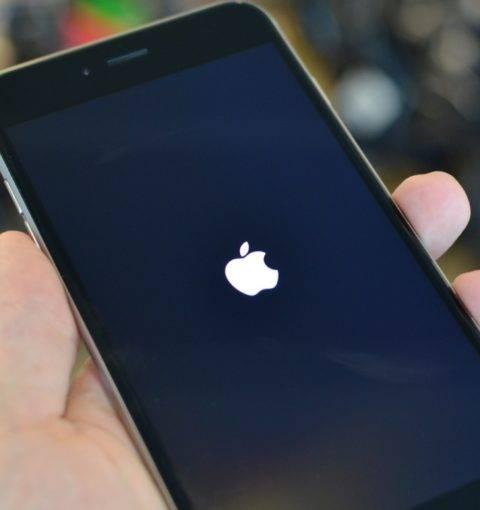 Не получается включить айфон и айпад: не заряжается или горит яблоко и гаснет